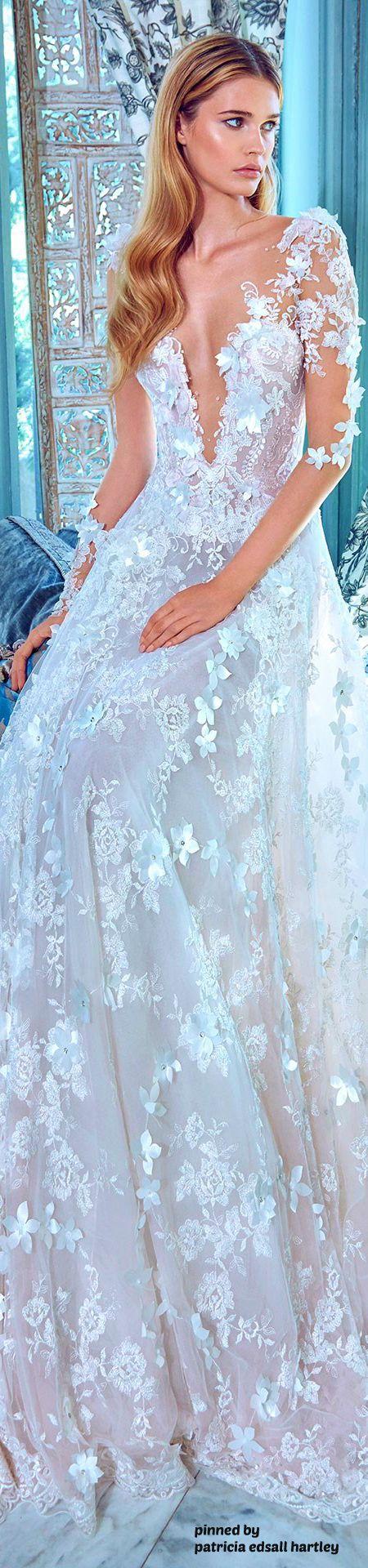 Magazine: Wedding Dress Pictures, Expert Wedding Planning Tips, Celebrity…