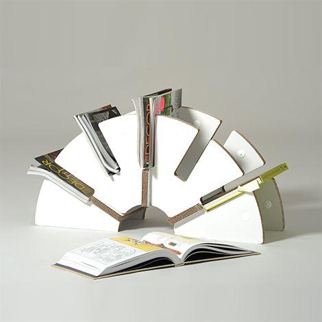 Corrugated cardboard magazine rack | Yoko
