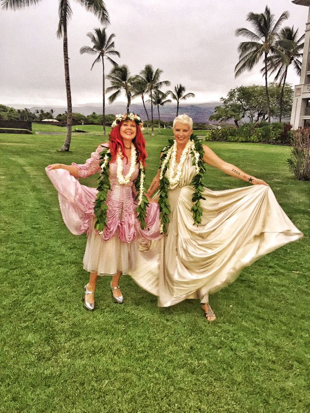 B-52s' Kate Pierson Marries Longtime Partner Monica Coleman—See the Pics! | E! Online