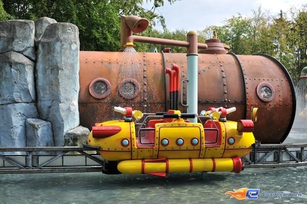 1/14   Photo de l'attraction Splash Battle située à Walibi Holland (Pays-Bas). Plus d'information sur notre site www.e-coasters.com !! Tous les meilleurs Parcs d'Attractions sur un seul site web !!
