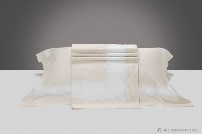 Buy CORDOBA BED SET online. Pure #Egyptiancotton sateen. Amancara, luxury linens since 1952.