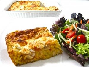 Skinny Mexican Style Chicken and Cornbread Casserole...This casserole is a real keeper! It's a cinch to make, freezes great and only needs a side salad to serve with it! The skinny for 1 serving, 323 calories, 8 grams of fat and 8 Weight Watchers POINTS PLUS. http://www.skinnykitchen.com/recipes/skinny-mexican-style-chicken-and-cornbread-casserole/
