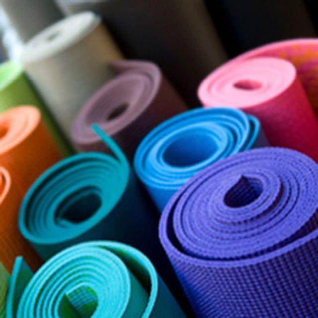 Коврики для йоги и фитнеса в продаже