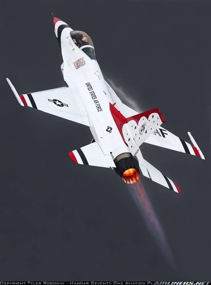 f-16 fighting falcon   16 Thunderbird climb out