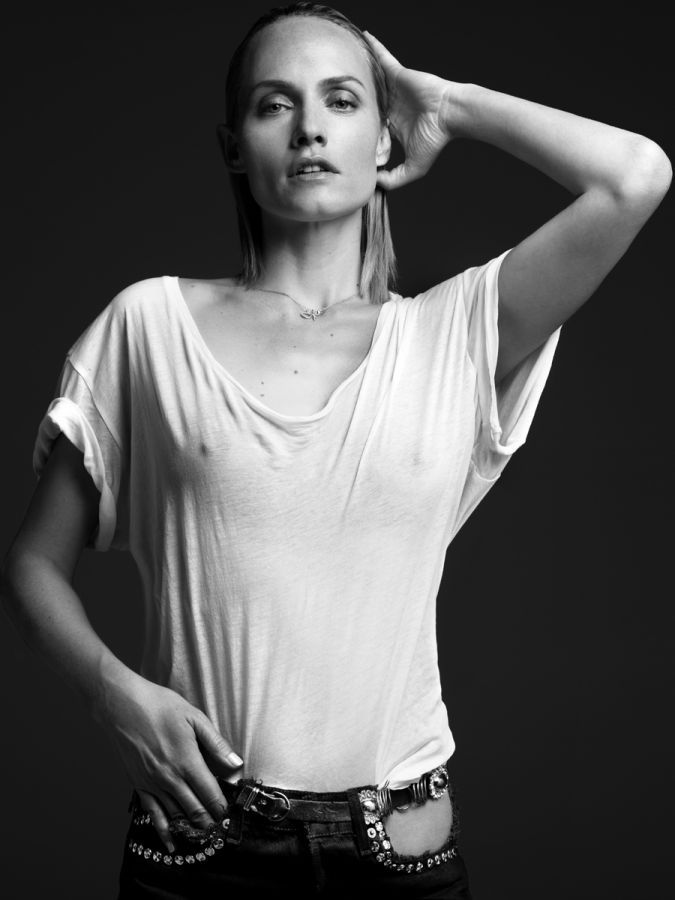 V Magazines, Fashion Diaries, Slimane Fashion, Fashion Models, Amber Valetta, Super Models, Fashion Photography, Amber Valletta, Hedi Slimane