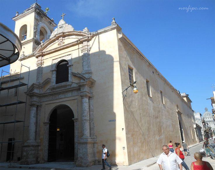La Iglesia María Auxiliadora, antigua Capilla de las Carmelitas Descalzas