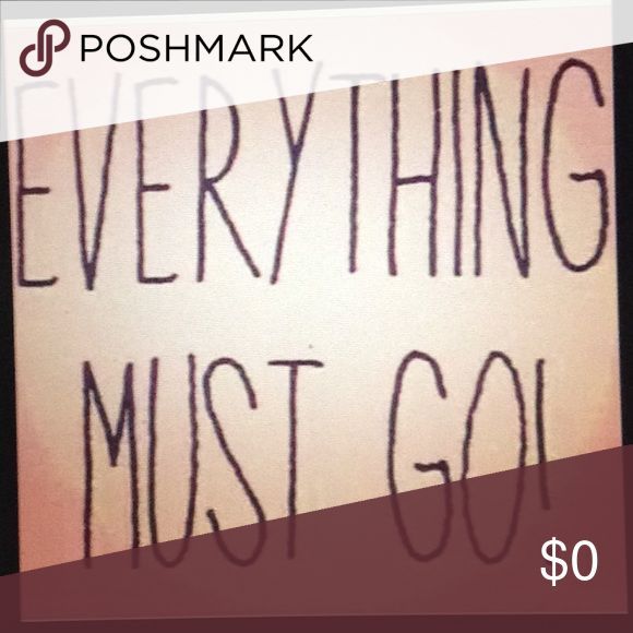 Everything must Go! Buy 2 get 10% off 💥Make Me An Offer💥 Nike Jeans