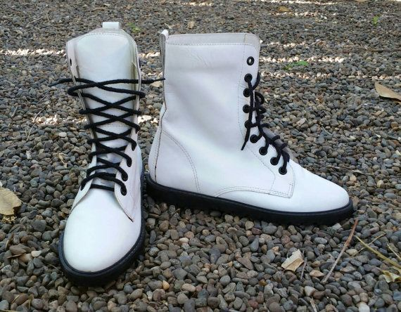 80s white leather boots women sz 6.5 - 7, Vintage lace up leather boots Video by LJ Simone, 1980s white ankle boots, Doc Marten style hi top