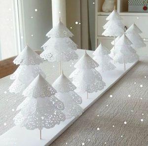 レースペーパーで作るクリスマスツリー クリスマス                                                       …