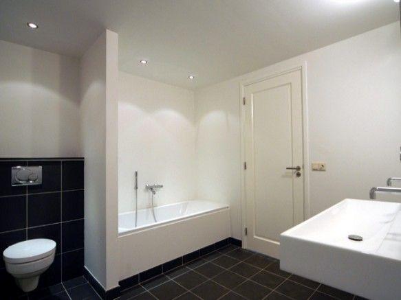 25 beste idee n over betegelde badkamers op pinterest badkamers kleine badkamer tegels en - Badkamer betegelde vloer ...