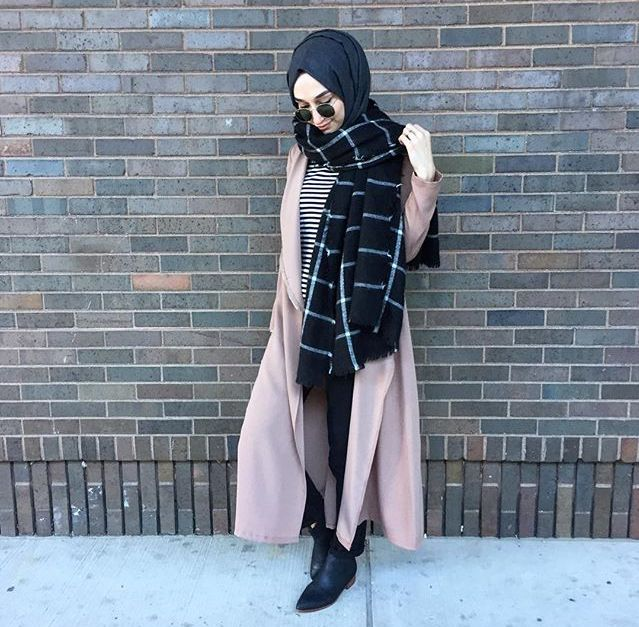 The long outerwear ties everything together and makes it modest, i love it- need an long outerwear asap!!!