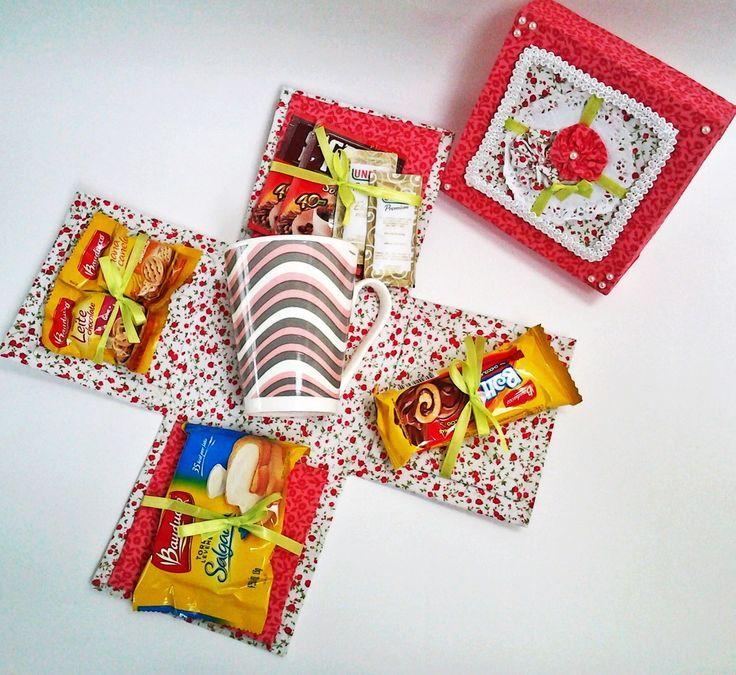 Caixa Surpresa Especial <br> <br>Um lindo presente! <br>Surpreenda com um presente diferente e lindo! <br>Em cartonagem e tecido... <br> <br>Escolha o modelo que lhe agrade <br>Café da manhã; <br>Chás e biscoitos; <br>Chocolates; <br>Diet <br> <br>Este produto pode ser retirado em SP (Interlagos).
