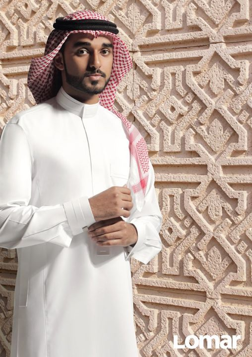 The thawb is commonly worn by men in the Arabian Peninsula, Iraq, and other Arab countries in the Persian Gulf. It is normally made of cotton, but heavier materials such as sheep 's wool can also be used, especially in colder climates in Iraq and Syria.