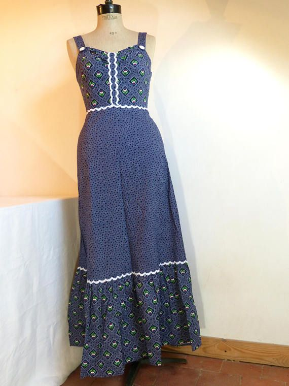 Navy blue flower & dots CHRISTINE LAURE cotton maxi summer dress - boho prairie hippie festival - French 70s vintage super cute flower & dots print, made of 100% cotton, lovely white trim details, the strap buttons can not be unbuttoned, closed by a long zip at the back (the zipper works well but the mannequin was too chunky so I could not close it completely...) made in France by Christine Laure a 44 size tag is present, the dress should fit best a modern European size 38/40 (&#...