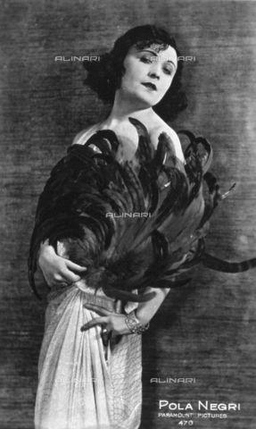 Three-quarter-length portrait of the celebrated movie actress Pola Negri 1920-1930 (c)Vettori, G;;Paramount Pictures/Fratelli Alinari Museum Collections, Florence