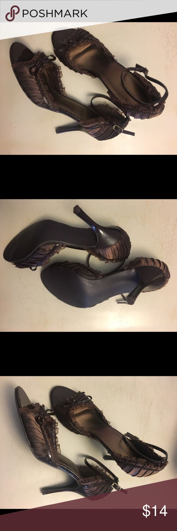 Maurices NWOT Size 10 Brown Ruffle Heels These flirty brown stilleto peep-toe heels have never been worn and fit true to size. Maurices brand, size 10. Feel free to message me with any questions/ make an offer! 😊 Maurices Shoes Heels