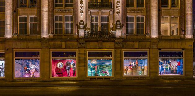 New Hermès windows*Kiki Van Eijk, exclusive design, design trends, latest prject, new design windows, http://designgallerist.com/blog/new-hermes-windowskiki-van-eijk/