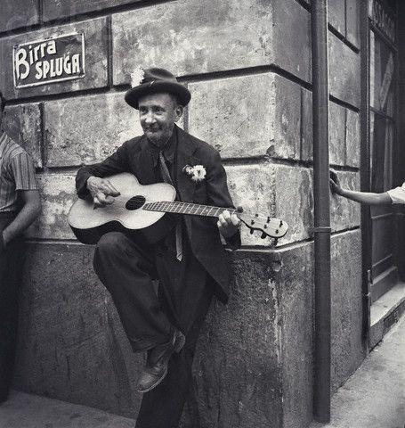 Elderly Man Playing Guitar in Milan - ca. 1935-1940
