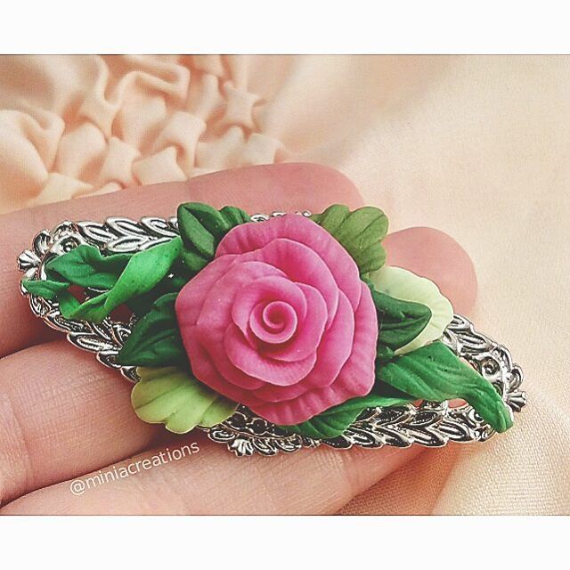 🌹 ° • ° • #jewellery #rose #leaf #polymerclay #handmade #faux #flower #pink #magenta #fuchsia #green #bright #roses #flowers #polymer #clay #charm #pin #delicate #petals #sculpture #fimo #sculpey #premo #cute #charming #brooch #leaves #jewelry