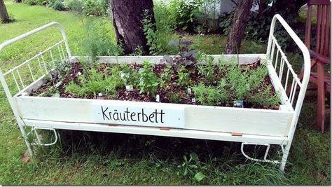 Ein Bett aus Kräutern – Das gibt es nur auf dem Kräuterlandhof der Familie Spaun.