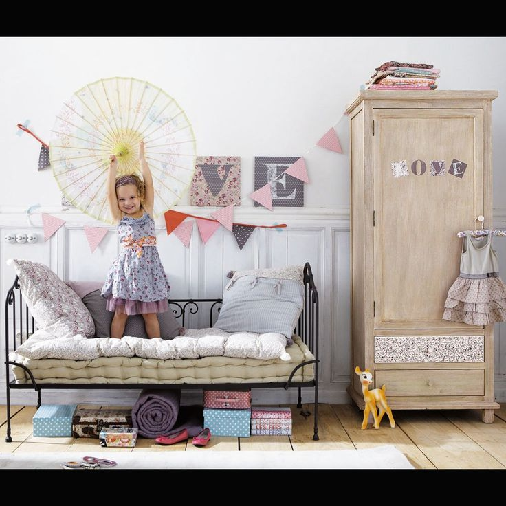 maisonsdumonde: Chambr Enfant, Kids Day, Child Rooms, Boys Decor, Eclectic Kids Rooms, Beds Storage, Vintage Kids, Girls Rooms, Little Girls Bedrooms