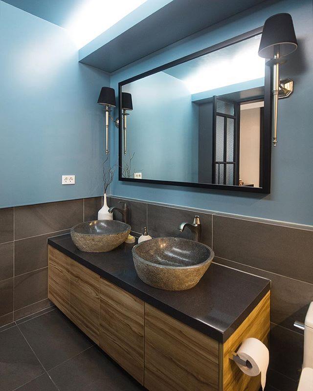 별내아이파크 안방 욕실 터키쉬 블루 도장과 600x300 브라운포세린, 우드하부장위 부부끼리 각자 세면대로 사이좋게 느낌있는 욕실입니당^^…
