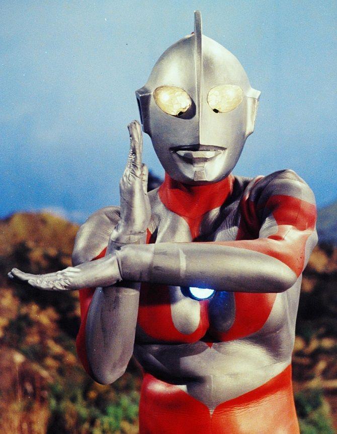 ウルトラマン (属性:炎、雷、水、光) 怪獣退治の専門家 備考 最早、国内で彼を知らない人は、ほとんど存在しないほどの超有名人。 『ウルトラマン』という単語が種族名だったり作品のシリーズ名だったりす...