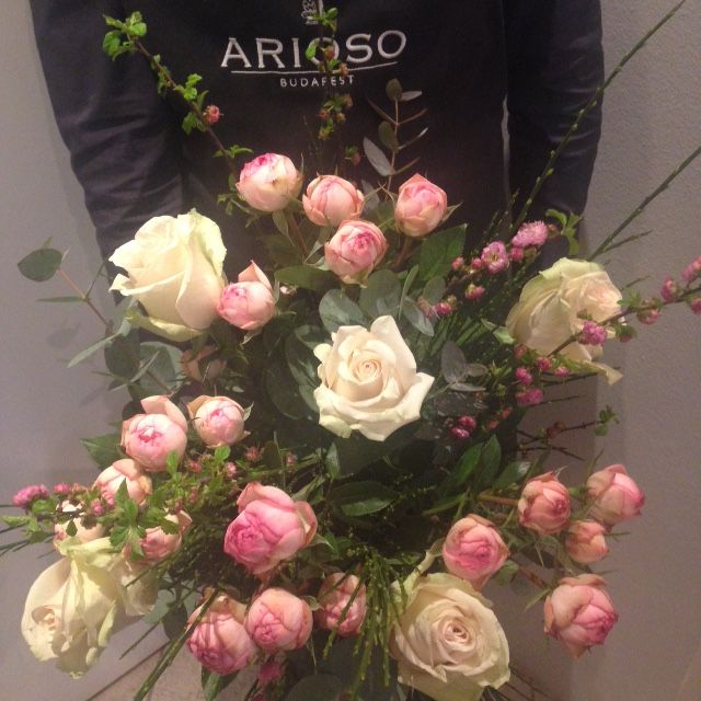 Roses and roses - by Arioso