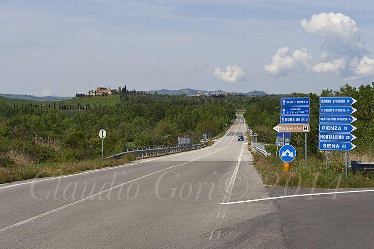 Sulla Cassia al bivio per Chianciano.