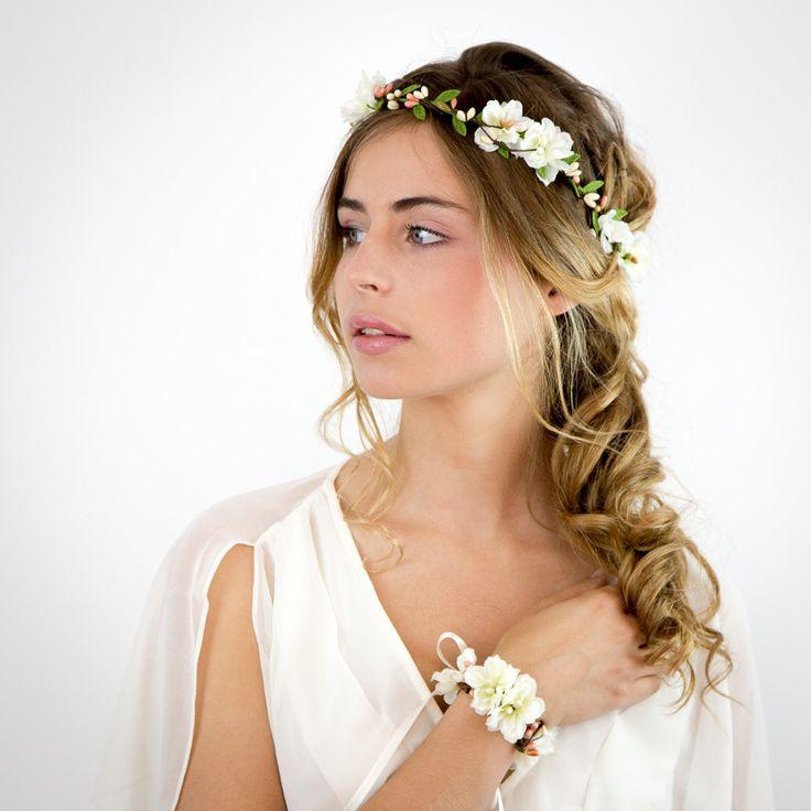 Couronne de fleurs ivoire et rose: Louise - Mariage : Accessoires coiffure par nuagecolore