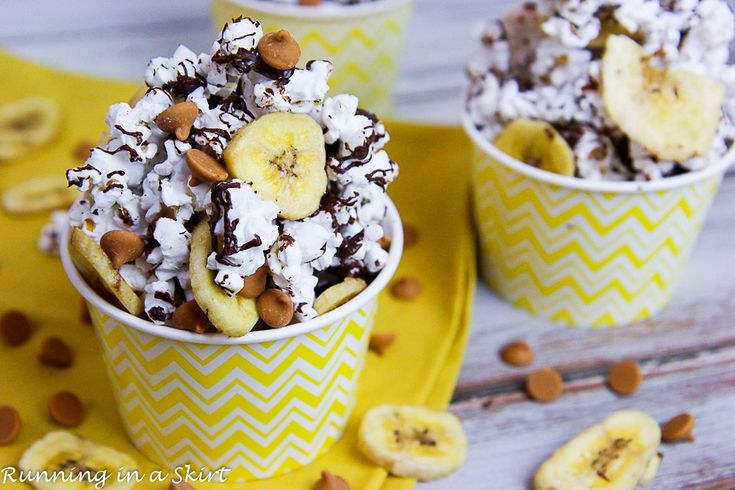 This is a sponsored conversation written by me on behalf of JOLLY TIME. The opinions and text are all mine. Jazz up your healthy evening snack with Chunky Monkey Popcorn! Hello! Hello! I love popcorn. It's such an easy snack and