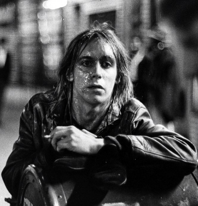 """3,683 mentions J'aime, 18 commentaires - ⛓ (@velvetcoke) sur Instagram: """"Iggy Pop, St. Marks Place, May 1971 📸 by Eric Rudolph after the Fun House tour concert with The…"""""""