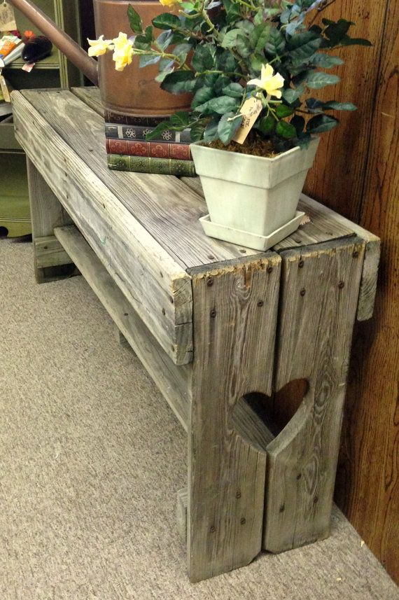 Love the Bench made with pallets ❤️