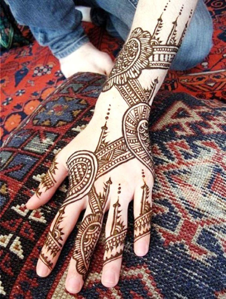hand mehndi 16 Beautiful Mehndi Designs