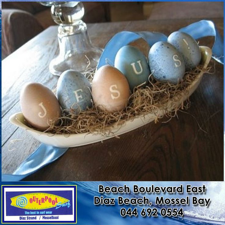 Don't forget Easter is around the corner, here's a Beautiful Easter Table Decorating Idea. #easter #idea #decoration
