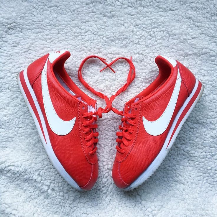 Sneakers femme - Nike Cortez red (©curly_paups)