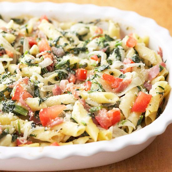 This delicious Prosciutto, Spinach, and Pasta Casserole (277 calories per serving) |  You won't miss the calories - rich in flavor and light in calories