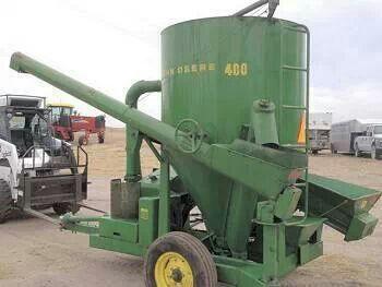 John Deere 400 Grinder/Mixer