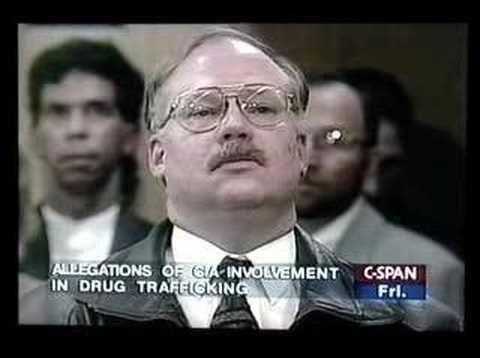 Former LA Police Officer Mike Ruppert Confronts CIA Director John Deutch on Drug Trafficking - YouTube