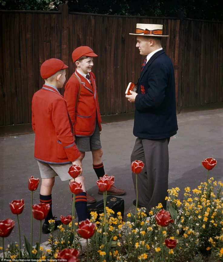 26 Enchanting Color Photographs That Show What Life Was Like in Britain from the 1950s