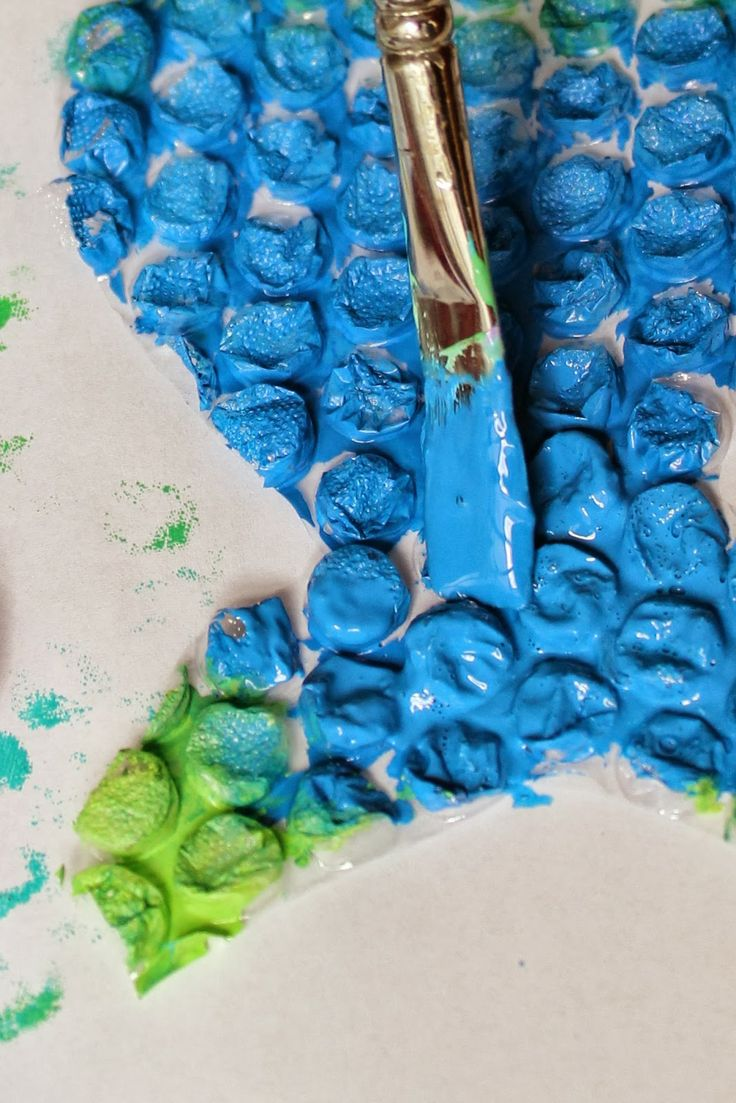 Stamping on fabric Odciskanie folii bąbelkowej na tkannach