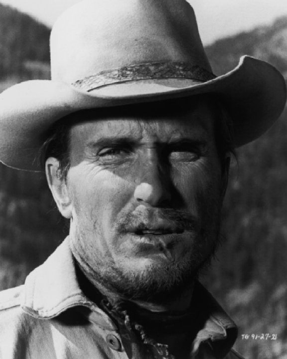 Still of Robert Duvall (Lucky Ned Pepper) in True Grit (1969)