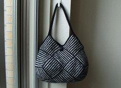 Ravelry: roko's Garter Stripe Square Bag