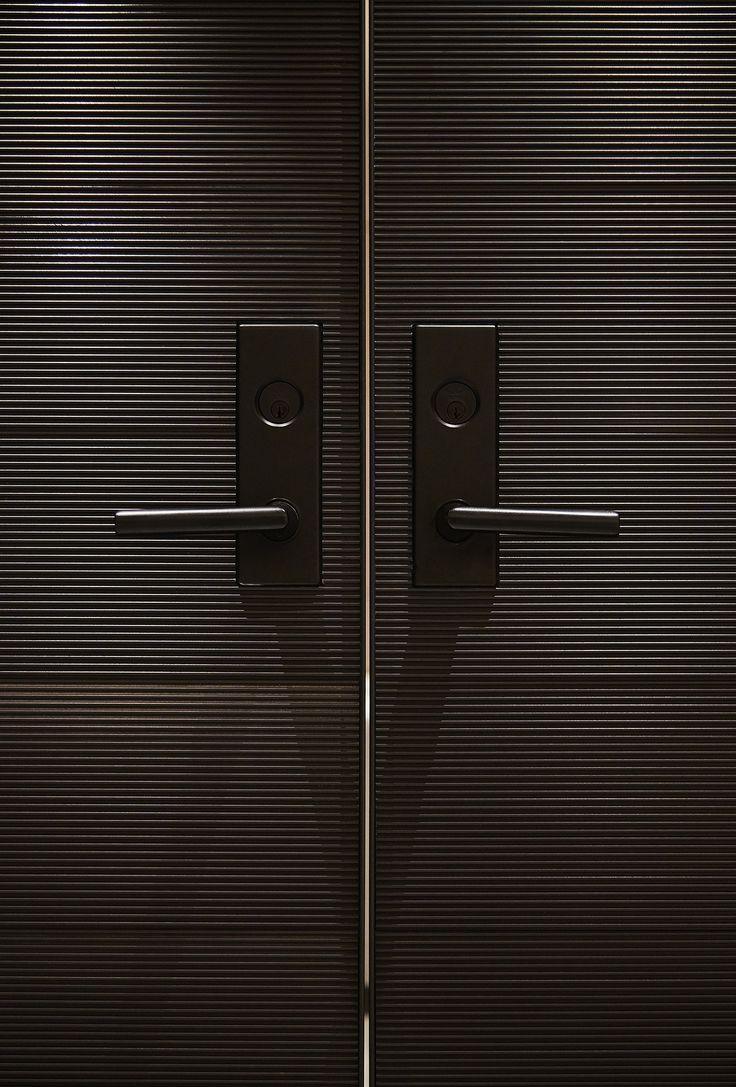 The William Vale, Brooklyn, NY. Interior Design by Studio Munge | Follow @studiomunge | www.studiomunge.com _______________________________________________ #design #interior #hospitality #hotel #thewilliamvale #william #vale #hotel #williamsburg #brooklyn #newyork #studio #munge #studiomunge #decor #inspiration #modern #contemporary #door #hardware #detail #metal #handle #black