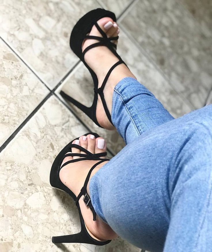 Bryci heels feet movie archive