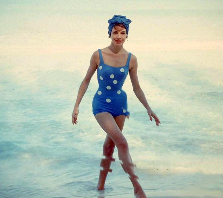 Cuba beach fashions, 1955. Photo by Gordon Parks.