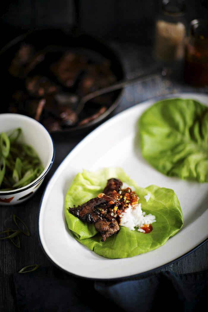 Korealainen liha-salaattiwrap - Korealaiset ruuat - Reseptit - Helsingin Sanomat
