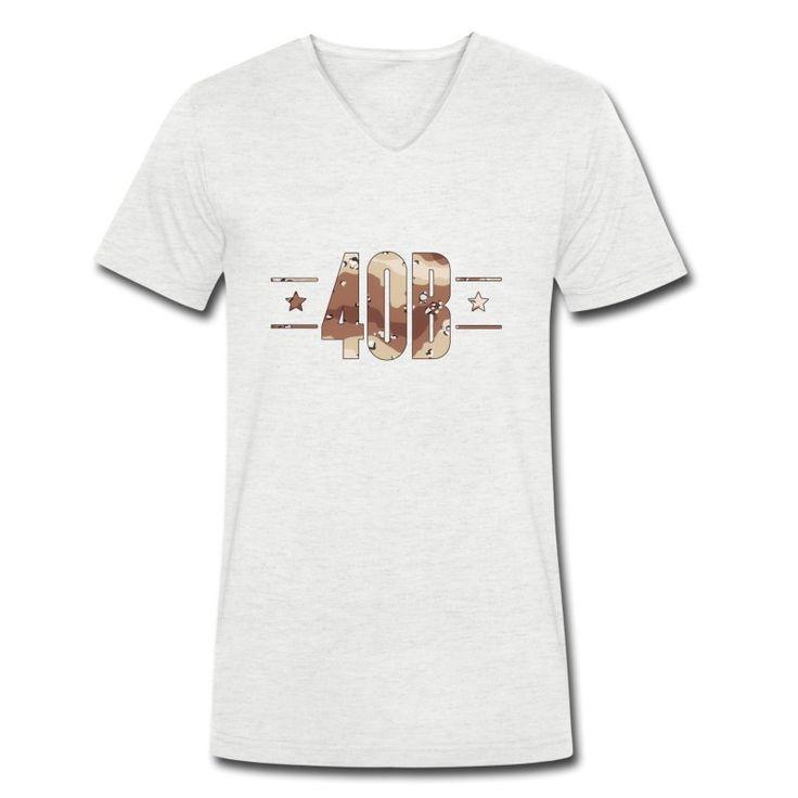 StS 40B Desert Camo V-Neck T-Shirt aus Bio-Baumwolle by 40 Burger // Finest Football & Fashion. #americanfootball #football #sts #salutetoservice #camo #camouflage #40b #nfl #rannfl #t-shirt #tshirt #vneck #v-neck #organiccotton #organic #cotton #biobaumwolle #fairwear #streetwear