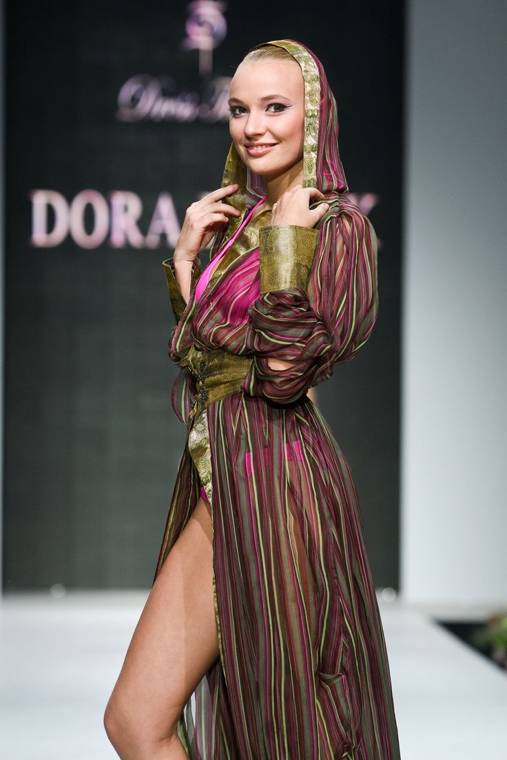 Oxumoro Collection by Dora Blank Couture. Пляжная накидка.  Beach cape