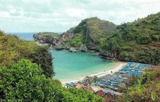 14 Yogyakarta's secret beaches | Page 8 of 11 | TRAVLG™